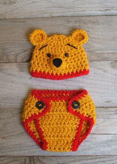 Piglet Hat & Diaper Cover Set inspired by por KreativeKroshay