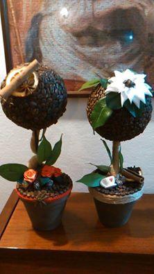 alberelli decorativi con chicchi di caffè...