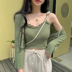 Korean Girl Fashion, Ulzzang Fashion, Kpop Fashion Outfits, Korean Outfits, Girly Outfits, Cute Casual Outfits, Asian Fashion, 2000s Fashion, Casual Clothes