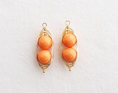 R2467GOR Gold Plated Looping Wire Orange Pea Pearl by apartment301