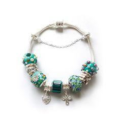 Pulseira Linha Symbol Tom Verde. Compre on-line! ;)