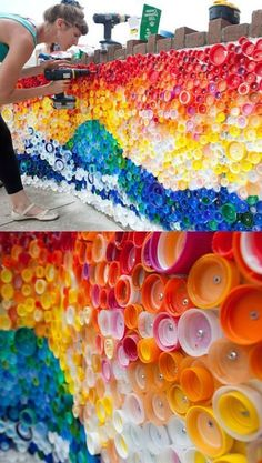 23 creative ways to recycle old plastic bottles for home improvement . - 23 creative ways to recycle old plastic bottles for home improvement … - Plastic Bottle Caps, Reuse Plastic Bottles, Bottle Cap Art, Plastic Art, Pet Bottle, Bottle House, Bottle Wall, Recycled Art Projects, Recycled Crafts