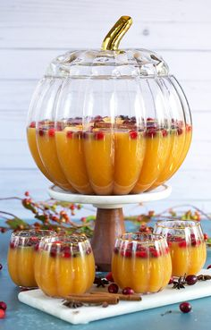 Sparkling Spiced Pumpkin Punch Recipe - The Suburban Soapbox Pumpkin Recipes, Spiced Pumpkin, Pumpkin Spice, Thanksgiving Recipes, Fall Recipes, Holiday Recipes, Thanksgiving Punch, Orange Recipes, Fall Drinks