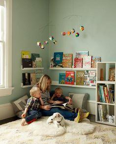 Kuschelecke children's room - create a personal corner for the child - Kids Corner Kids Corner, Reading Corner Kids, Cozy Corner, Toddler Reading Nooks, Nursery Reading, Corner Space, Girl Room, Baby Room, Child's Room