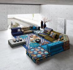 Mah Jong: an icon - Roche Bobois Sofa Design, Living Room Sofa, Living Room Decor, Mah Jong Sofa, Floor Couch, Modul Sofa, Floor Sitting, Hookah Lounge, Luxury Sofa