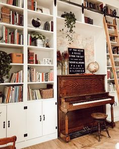 Interior Design Inspiration, Home Decor Inspiration, Modern Lounge Rooms, Cluttered Bedroom, Piano Room, New Room, Cozy House, Cheap Home Decor, Architecture