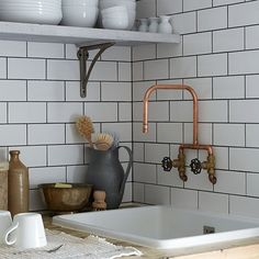 industrial style victorian terrace Sink-area Ceramica tegels & ornamneten den Bosch - the faucet Kitchen Taps, Copper Kitchen, Copper Bathroom, Bathroom Taps, Kitchen Backsplash, Kitchen Subway Tiles, Metro Tiles Kitchen, Backsplash Cheap, Kitchen Mixer
