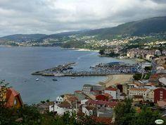Ensenada, villa y puerto de Bueu (O Morrazo, Galicia)