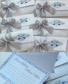 Daomi + Murad Islam  Invitación inspirada en el Medio Oriente, tal como será todo el diseño de la boda, con aire arabesco.  Azul turquesa, morado, plata y blanco.  Arabian themed Wedding invitation  Handmade, hecho a mano, tarjeteria, invitaciones, souvenirs.