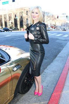 Leather Jacket Outfits, Leather Dresses, Leather Leggings, Leather Skirts, Biker Leather, Leather Boots, Black Leather, Patent Leather, Sexy Outfits