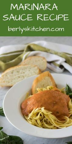 Nutritious Snack Tips For Equally Young Ones And Adults Basil, Garlic, And Tomatoes Blended With Olive Oil Are The Main Ingredients In This Easy Marinara Sauce Recipe That Almost Anyone Can Prepare. Sauce Recipes, Gourmet Recipes, Crockpot Recipes, Dinner Recipes, Cooking Recipes, Kitchen Recipes, Pizza Recipes, Easy Marinara Sauce, Homemade Tomato Sauce