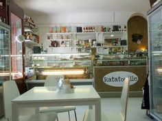 RATATOUILLE // vegan restaurant, bakery, and shop // ★★★ http://www.ratatouille.to.it/