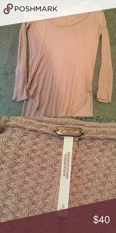 Free People long sleeve shirt Great condition, barely worn! No holes or stains. Came from Buckle, mauve/blush in color. Free People Tops Tunics