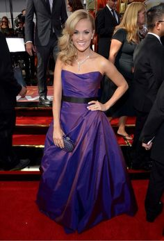 Carrie Underwood. #Emmys2013