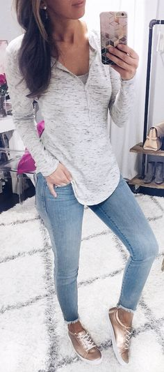#winter #fashion / White Top / Bleached Skinny Jeans / Brown Sneakers