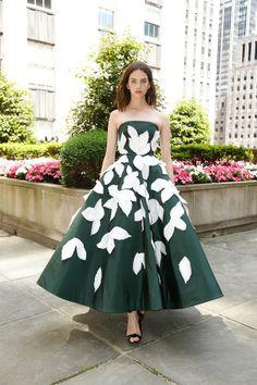 10c93167bbdeb Oscar de la Renta 2018 Resort Elegant Dresses, Pretty Dresses, Sexy Dresses,  Prom