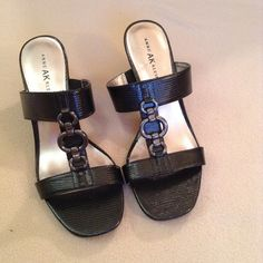 "Anne Klein iflex heels EUC! Beautiful 2 1/2"" heels. PU uppers (leather covered w/polyurethane) Anne Klein Shoes Heels"