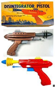 Space Guns - PYROTOMIC DISINTEGRATOR PISTOL - PYRO - USA - ALPHADROME ROBOT AND SPACE TOY DATABASE