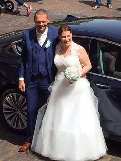 Making a wedding dress Happy couple 😊 www.janvanderheijdenjr.nl