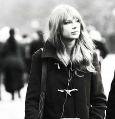 Just a normal day walking through town...and you bump into Tsylor Swift...Aahhhh...<3