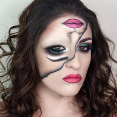 Looking for Halloween makeup ideas but want designs that are unique? We have found 10 trippy illusion makeup looks for Halloween. Quick Halloween Costumes, Looks Halloween, Halloween Face Makeup, Joker Halloween, Creepy Costumes, Halloween Stuff, Sfx Makeup, Costume Makeup, Makeup Art