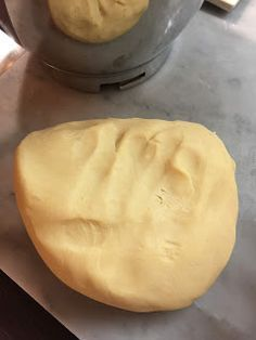 I tried several shortbread recipes, I have the one from my mom& heart that alternates with my mother-in-law& evergreeen, I have the light one, this . Sweet Recipes, Cake Recipes, Dessert Recipes, Mini Desserts, Delicious Desserts, My Favorite Food, Favorite Recipes, Biscotti Cookies, Torte Cake