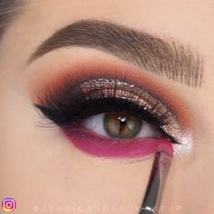 Cut Crease Videos Eye Makeup Eyeshadow Looks Step By Step crease cut eye Makeup videos Makeup Eye Looks, Eye Makeup Steps, Eye Makeup Art, Beautiful Eye Makeup, Eyeshadow Makeup, Eyeshadows, Cute Eyeshadow Looks, Eyeshadow Palette, Gold Glitter Eyeshadow