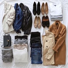 Plenty of good outfit alternatives, covering a lot of occasions! Capsule Wardrobe Essentials, Capsule Outfits, Fall Capsule Wardrobe, Fashion Capsule, New Wardrobe, Parisian Wardrobe, Travel Essentials, Wardrobe Staples, Winter Typ