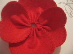 "Brooch made of felt ""Mac"" - a master class for beginners and professionals Cloth Flowers, Fabric Flowers, Nuno Felting, Needle Felting, Memorial Day Poppies, Poppy Craft For Kids, Felt Flowers Patterns, Poppy Pins, Poppy Pattern"