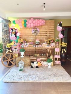 Baby animals farm birthday parties 58 Ideas for 2019 Petting Zoo Birthday Party, Cow Birthday, Farm Animal Birthday, Cowgirl Birthday, Cowgirl Party, 2nd Birthday Parties, Birthday Ideas, Farm Themed Party, Barnyard Party