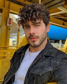 """MODA MASCULINA - MEN'S FASHION on Instagram: """"📷 @felipefontora"""" Style Clothes, Foto E Video, Outfit Of The Day, Casual Outfits, Menswear, Street Style, Mens Fashion, Lifestyle, Guys"""