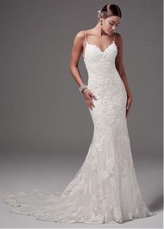 Stunning Tulle Spaghetti Straps Neckline Mermaid Wedding Dress With Lace Appliques