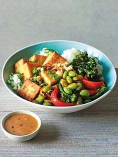 Crispy Tofu Bowl with Broccolini, Edamame and Peanut Sauce