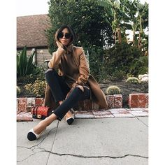 Aimee Song of Style Camel Coat Turtleneck Sweater J Brand Jeans Popsugar, Turtleneck Outfit, Sleeveless Turtleneck, Netflix, Song Of Style, Ootd, Spring Fashion Trends, Fashion Fashion, Fashion Ideas