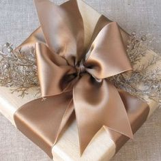 How to make the perfect bow, the Tiffany way