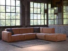Elise stretch bank in leer van Sofas, Couches, Taste Of Home, Small Rooms, Room Set, Bohemian Decor, Style At Home, My House, Beach House