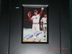 Pete Rose Autographed Record Breaking 4x6 Framed Photo | crazycollectors.com