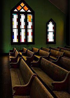 Abandoned Churches, Old Churches, Abandoned Places, Church Pew Bench, Church Pews, Church Backgrounds, Old Country Churches, Church Pictures, Church Windows