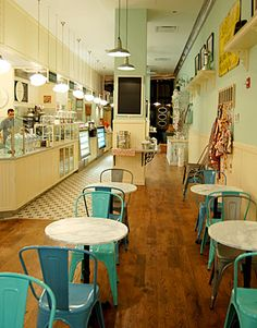 Magnolia Bakery In the Chicago Loop