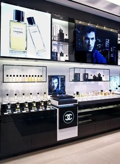 FRAGRANCE BAR