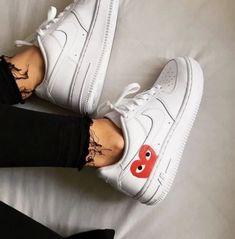 differently 7b4c2 b0f20 comme des garçons vraiment belle  chaussures  blanche  magnifique   confortable  grande  parfait  avec  un  jean  noir