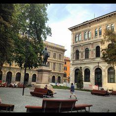 #Piazza #Minghetti #Bologna