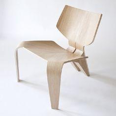Split Chair is a minimalist design created by Canada-based designer Bahar Ghaemi.