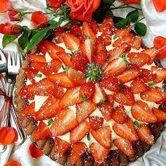 Buona domenica⚘⚘⚘⚘tenerina al cioccolato con crema al mascarpone,gocce di cioccolato fondente e.....tante������������ #lovefood#foodlove#food_of_our_world #top_food_of_instagram #lovers_home4 #lory_alpha_food #don_in_cucina #dolciitaly #dolciitaliani #ledolcitentazioni #_dolcivisioni_#pocket_food #ptk_food #unamore_dicucina #total_photofood #worldcolours_food #topitalianfood #top_food_photo#angolodelledolcezze #foodpics#cucinare_perverapassione #instalikes #like4like…