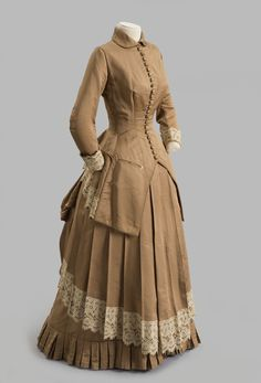 Vintage Dressing Fawn Colored Day Dress - Albany Institute of History and Art Victorian Era Fashion, 1880s Fashion, Victorian Gown, Victorian Costume, Vintage Fashion, Old Fashion Dresses, Old Dresses, 1800s Dresses, Dress Fashion