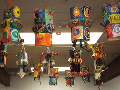 3/4 - Kandinsky Lanterns  Students learned about Russian painter Kandinsky and also about the Chinese New Year lantern festivals.