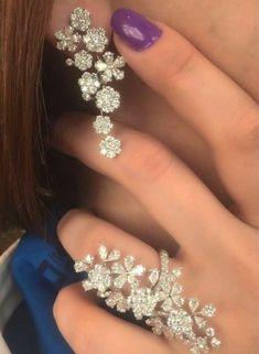 India Jewelry, Gems Jewelry, Wedding Jewelry, Jewelry Sets, Jewelery, Fine Jewelry, Unique Jewelry, Ring Earrings, Diamond Earrings