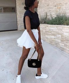 Ma jupe short de l'été . Mode Outfits, Trendy Outfits, Fashion Outfits, Fashion Ideas, Look Fashion, Daily Fashion, Nicole Fashion, Spring Summer Fashion, Spring Outfits