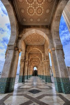 Hassan II Mosque - Casablanca | Flickr - Photo Sharing! Islamic Architecture, Historical Architecture, Beautiful Architecture, Beautiful Buildings, Art And Architecture, Architecture Details, Visit Morocco, Morocco Travel, Africa Travel