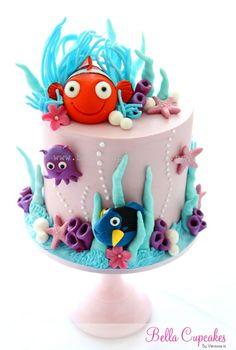 Just keep swimming! Just keep swimming! Finding Nemo cake!